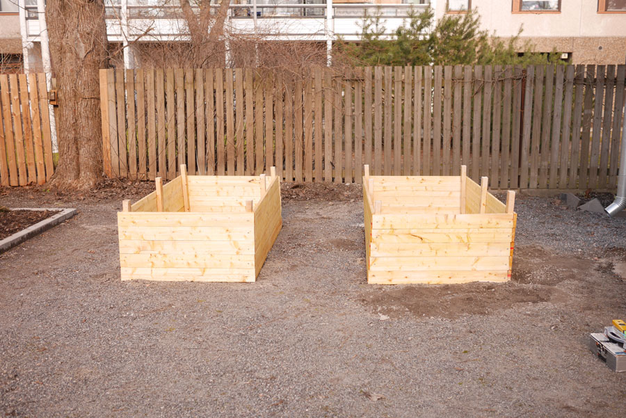 tuulinenpaiva.fi-raised-garden-beds3