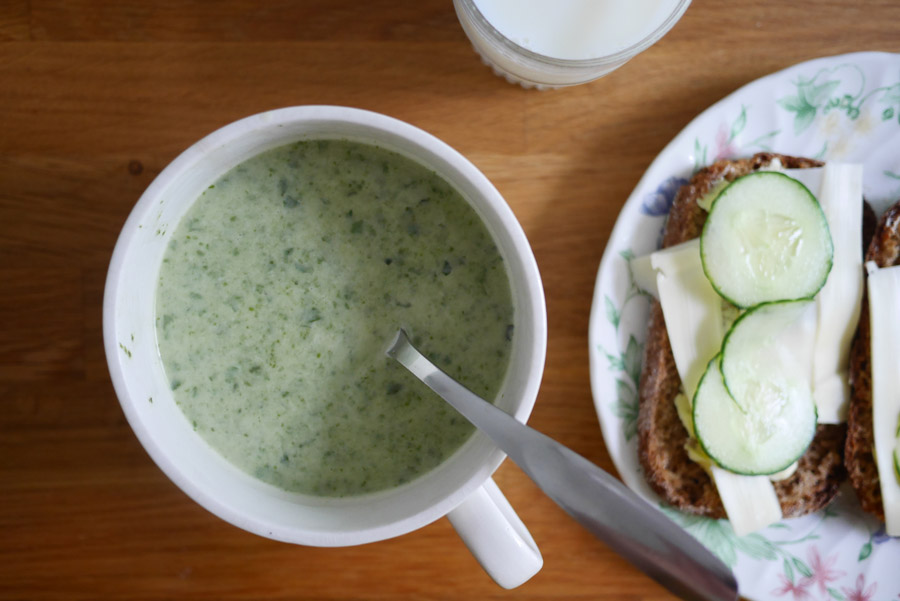 tuulinenpaiva.fi-chard-kale-coconut-soup