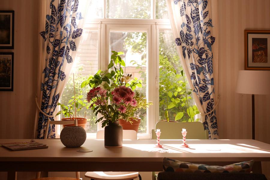 tuulinenpaiva.fi-living-room-in-july