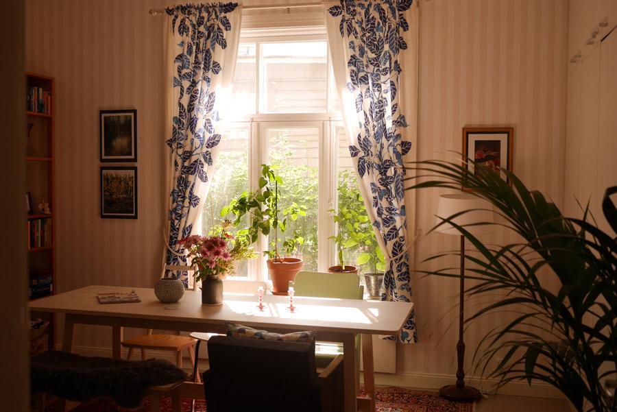 tuulinenpaiva.fi-my-living-room-in-july