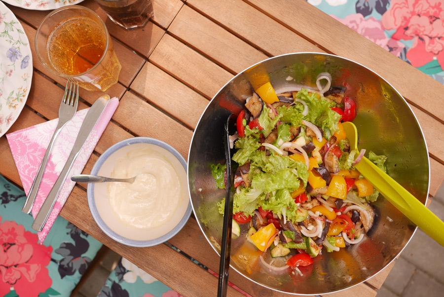 tuulinenpaiva.fi-kasvilavat-ratatouille-salaatti