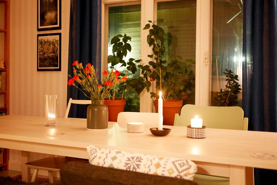 tuulinenpaiva-fi-kotona-syysiltana-kynttiloita