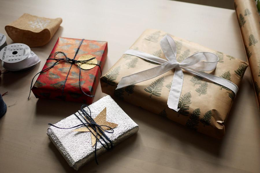 tuulinenpaiva-fi-joululahjojen-paketointia