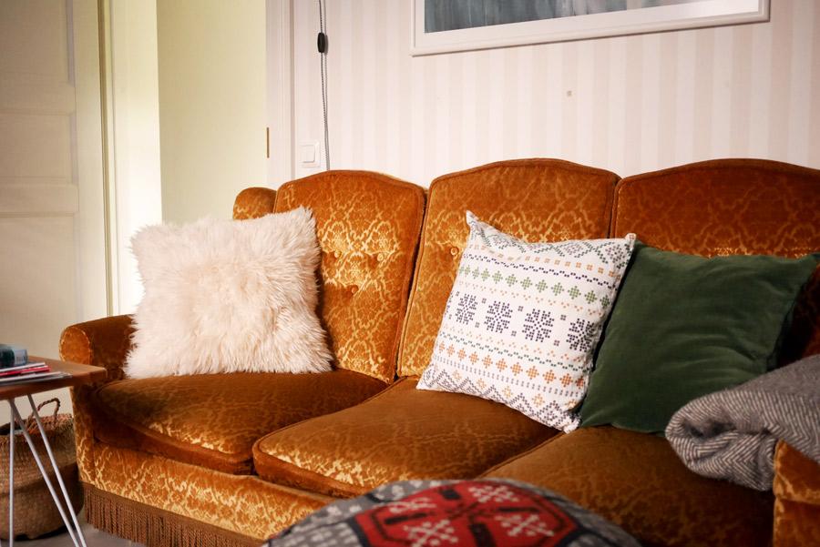 tuulinenpaiva-fi-sohvan-joulutyynyt