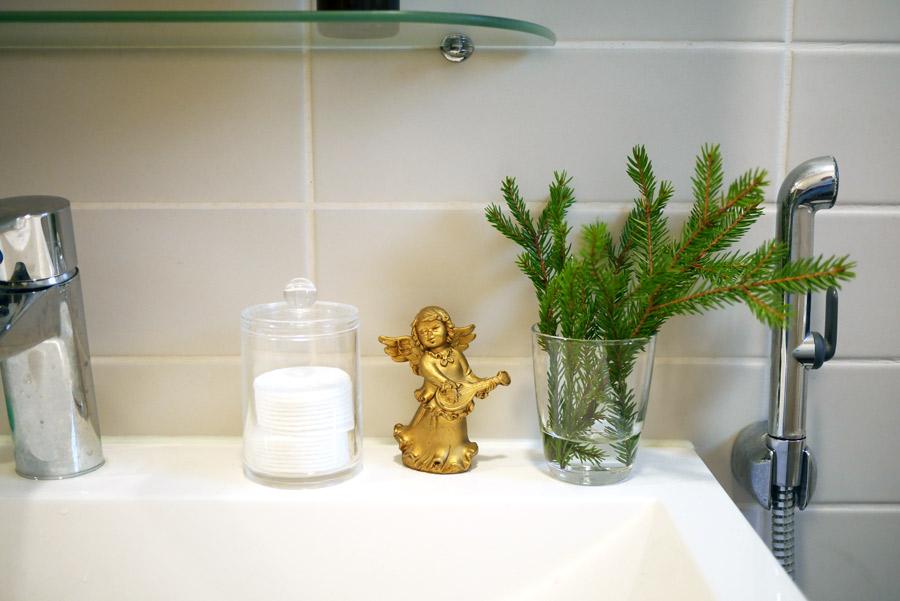 tuulinenpaiva-fi-joulukukat-havut-vessassa